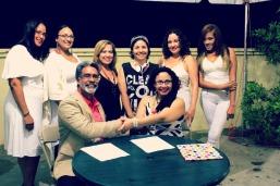 Las Musas Descalzas, firmando colaboracion con el PEN Club de P.R.
