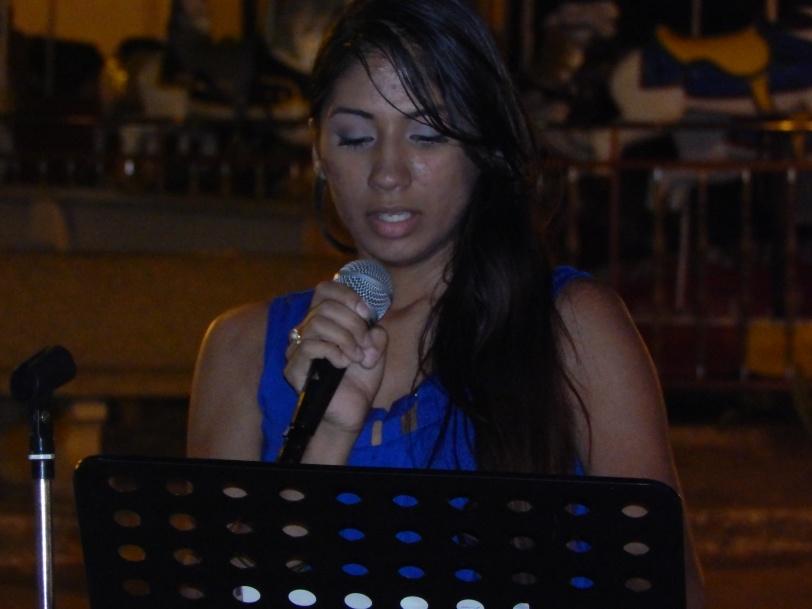 La poeta y Musa Descalza, KETSIA CAMACHO RAMOS participará en la medio vigilia artística ARTE y COMBATE: PA JAYUYA 65 AÑOS DE REVOLUCIÓN este jueves 8pm en la plaza de Jayuya.